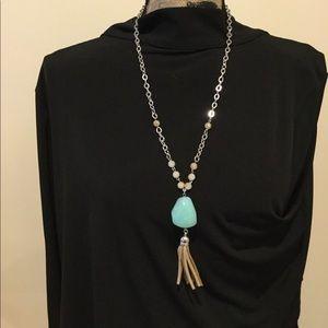 Jewelry - Drop stone necklace
